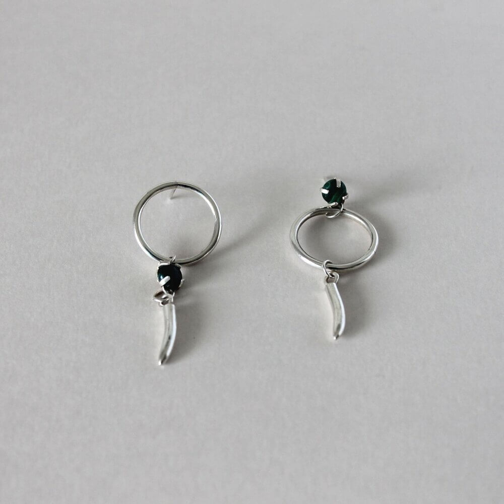 Silver earrings with delicate black stud