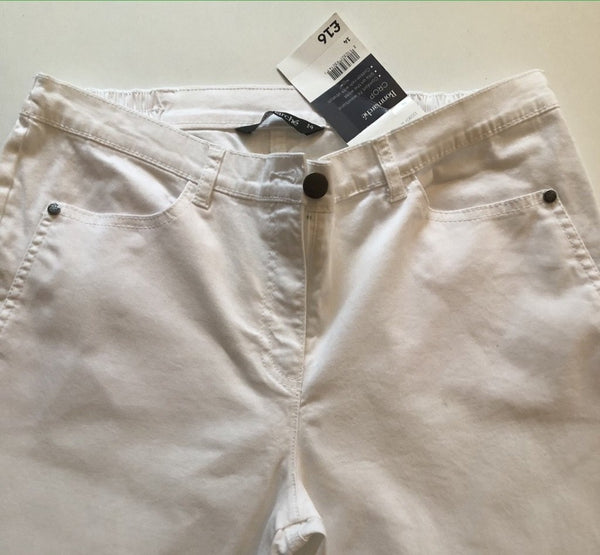 Size 14 Bonmarche White Cropped  Trousers New & Tagged