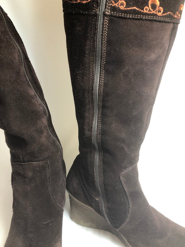 Size 7 Clarks Long Brown Suede Wedge Boots