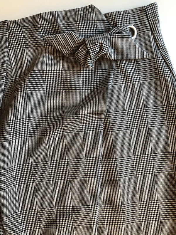 Size 12-14 H & M  Black & White  Skirt New & Tagged Rrp £24.99