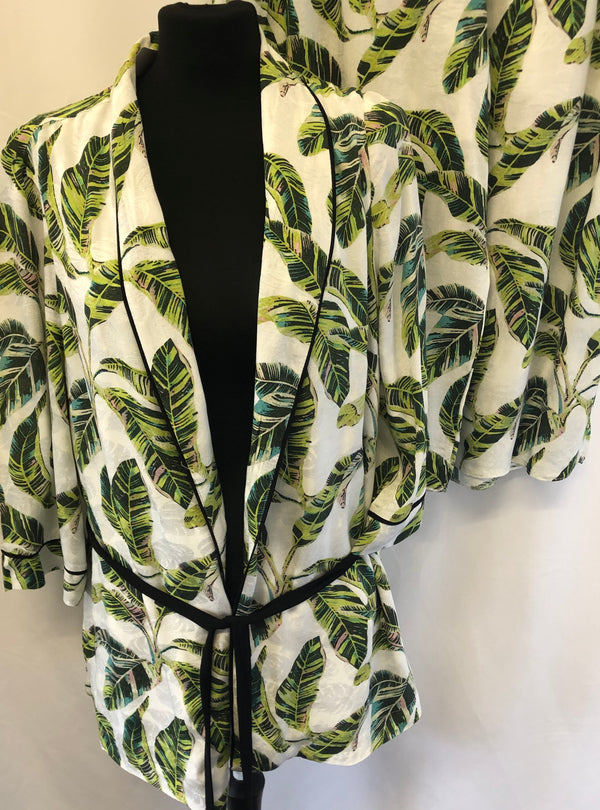 Size 18 Two Piece Lightweight Summer Culotte suit