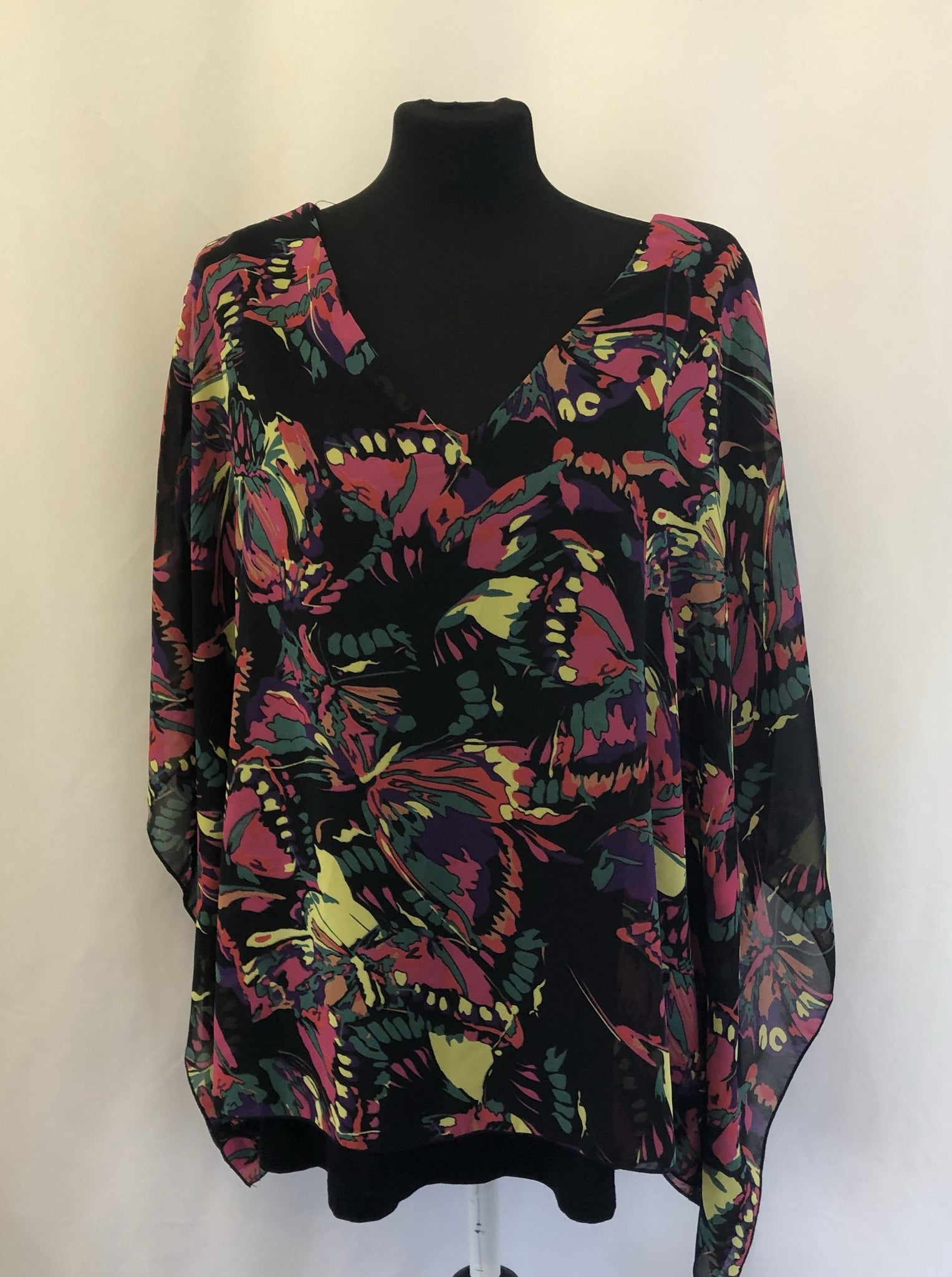 XL Klass Vibrant Black Pink Sheer Top Size 18