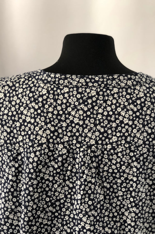 Size 18 Yessica Navy Flower 100% Cotton Top Shirt New