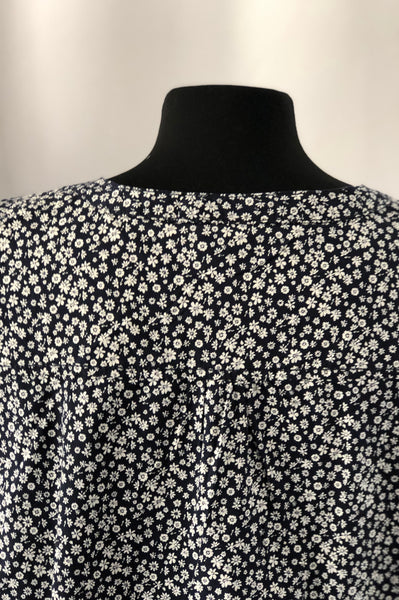 Size 14 new Navy with Flower 100% Cotton Blouse