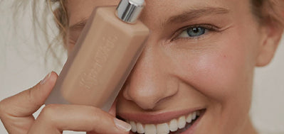 Kjaer Weis. Invisible Touch Liquid Foundation.