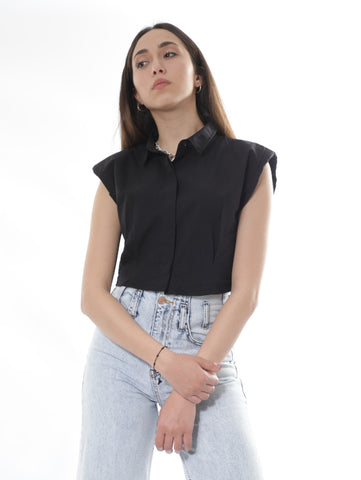 Sleeveless Cropped Shirt In Black
