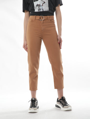Mom Cut Black Jeans With Belt In Brown