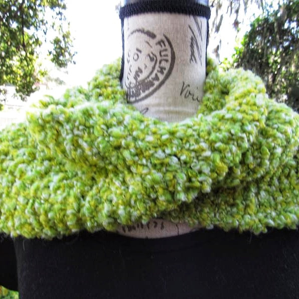 Crochet Green Soft Scarf, Winter hufflepuff scarf nice Gift. (Domestic Free Shipping)