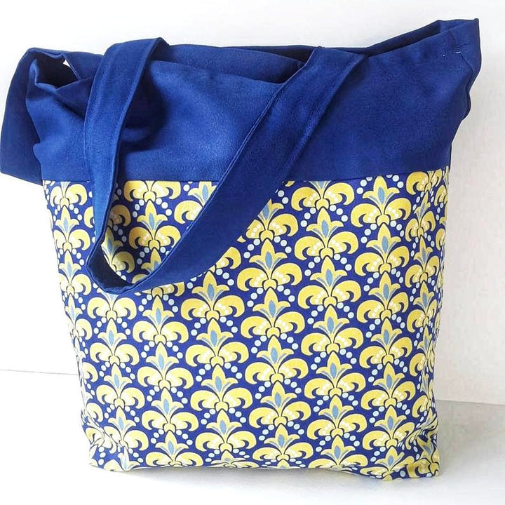 Lis Flower Large Tote Bag, comfortable for Travels, perfect craftwoman Gift, Domestic Free Shipping