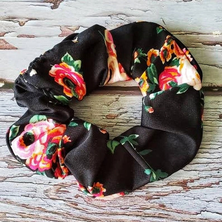 Floral Pony Tail (Domestic Free Shipping)