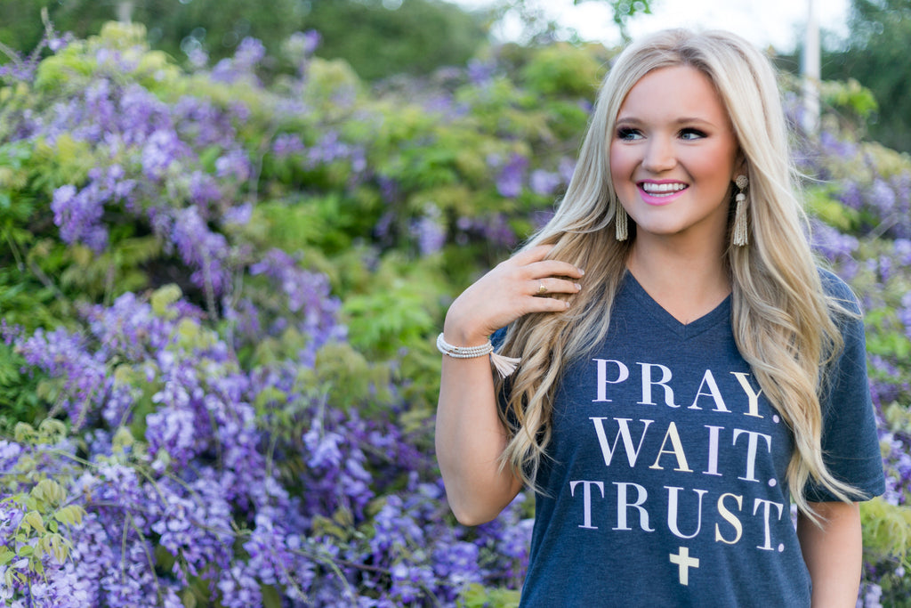 Pray Wait Trust - Short Sleeve