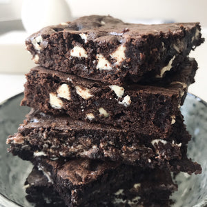 Classic chocolate + white chocolate chip brownies