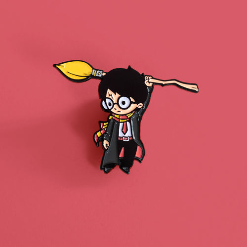 Hang on Wizard - Enamel Pin - Naolito