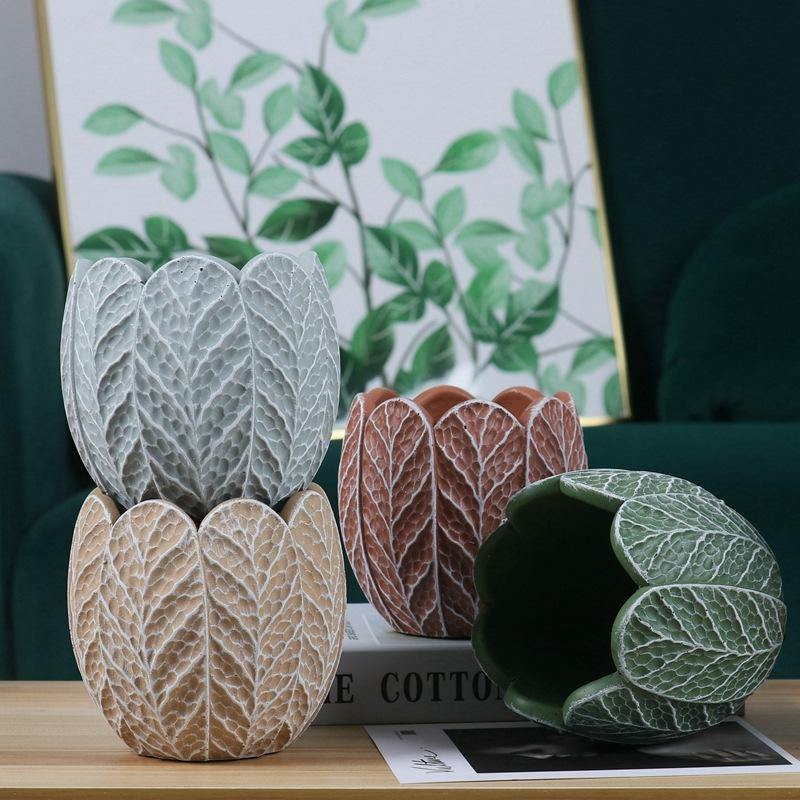 Oblong Leaf Plant Pot