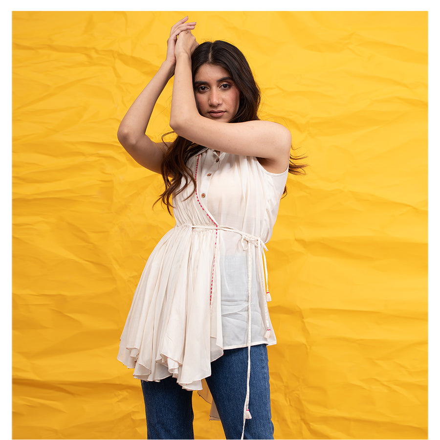 Women Sleeveless Off White Top