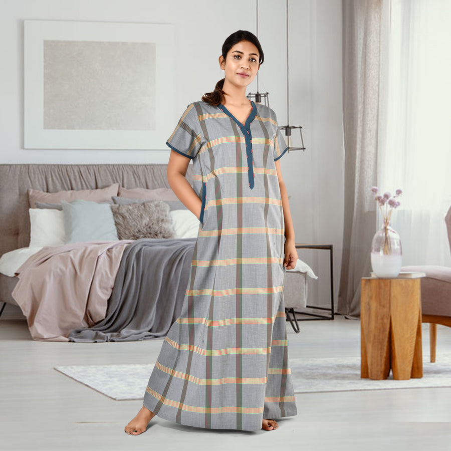 Woman Green Cambric Cotton Nighty