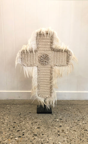 Plume Feather Crochet White Cross + Stand