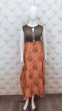 Load image into Gallery viewer, Long Printed Kurti With Heavy Neck Latkan - Kanchan Fashion Pvt Ltd