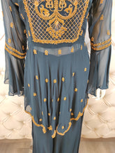 Load image into Gallery viewer, Contrast Threadwork On Peplum With Sharara - Kanchan Fashion Pvt Ltd