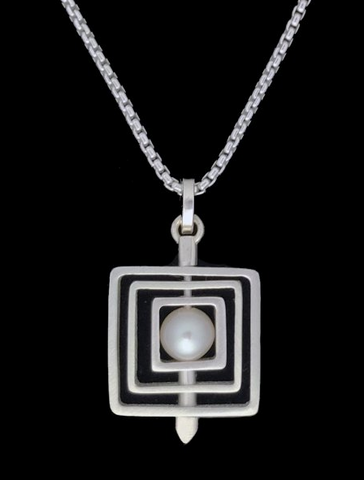 Kenneth Pillsworth Jewelry - Square Pearl Spinner Pendant