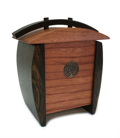 Kovecses Woodworking - Tall Aku Keepsake Box