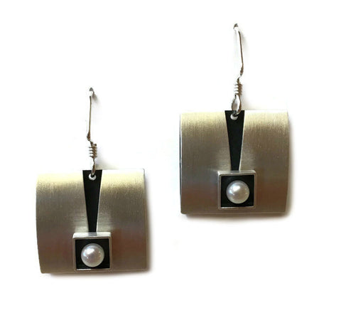 Mar Jewelry - Square Pearl Earrings