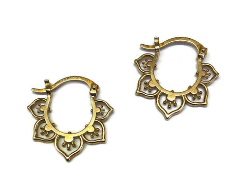 Sasha Bell Jewelry - Small Flower Hoop Earrings in Gold