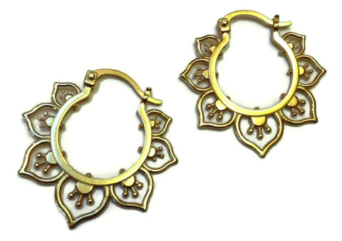 Sasha Bell Jewelry - Medium Flower Hoop Earrings in Gold