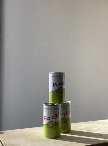 Perello Spicy Pitted Olives Tin