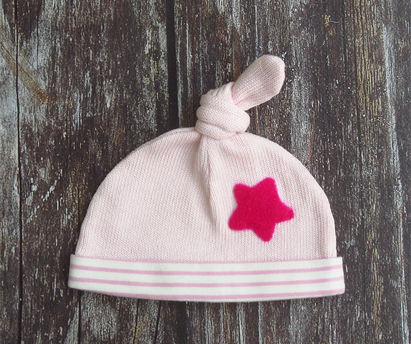 Knot top hat - soft pink with cerise star