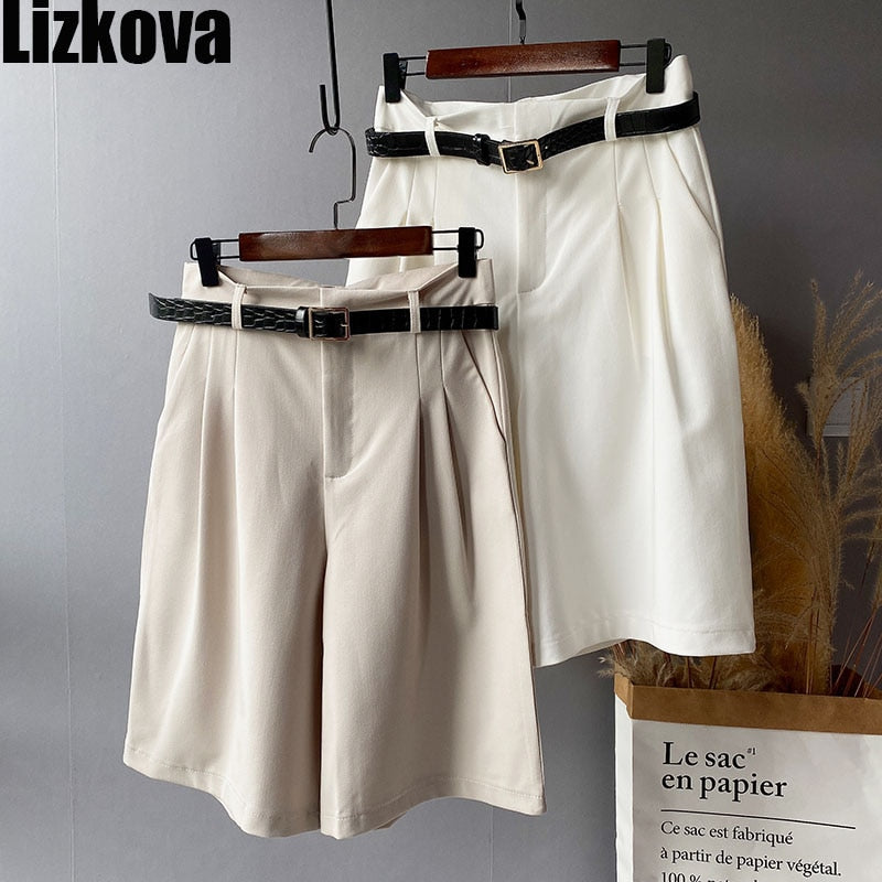 Women's Knee Length Short Pants with Belt