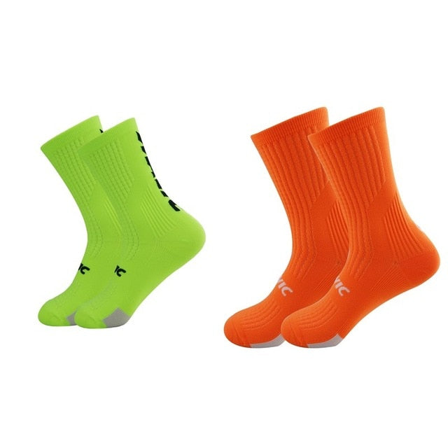 1 Pair of Professional Quality Athletic Socks
