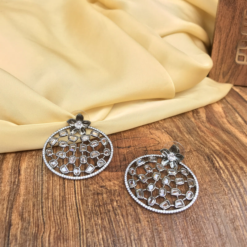 Attractive One Flower Round Diamond Earrings
