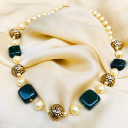 Green Natural stones and Pearls Necklace