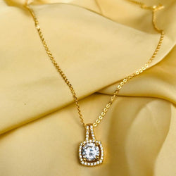 Round Gold Pendant Necklace
