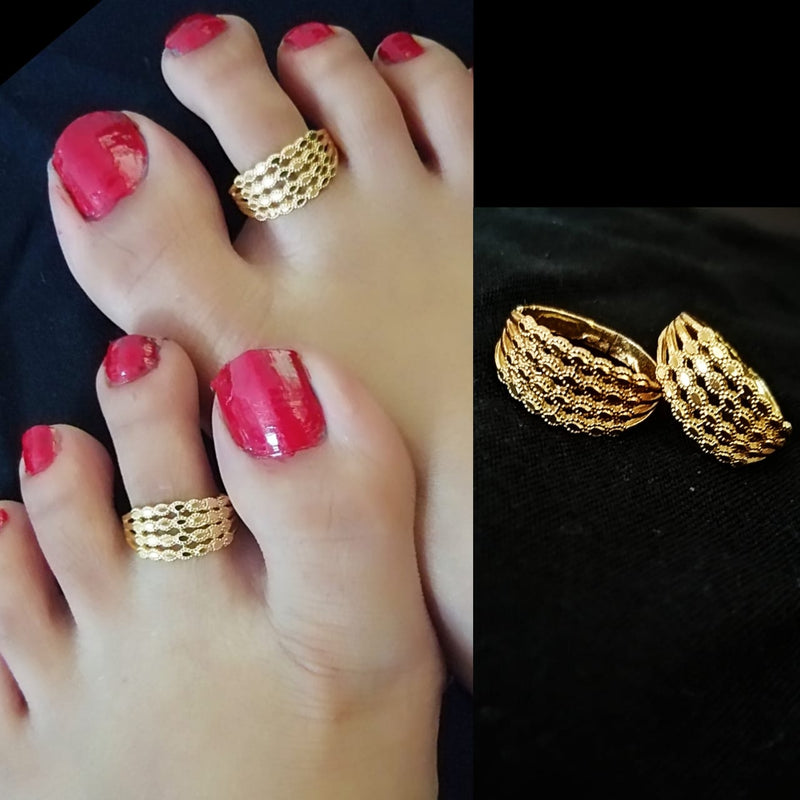 Traditional Classic Gold Toe Rings