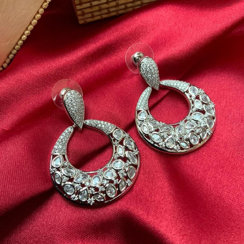White American Diamond Round Shape Earring