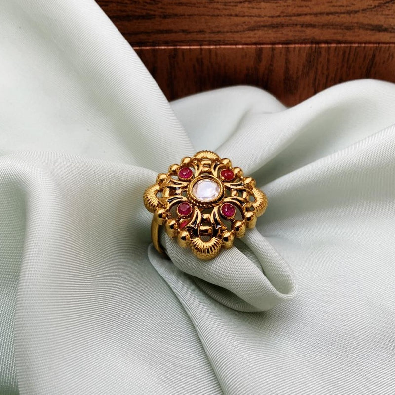 Antique Pretty Golden Ring
