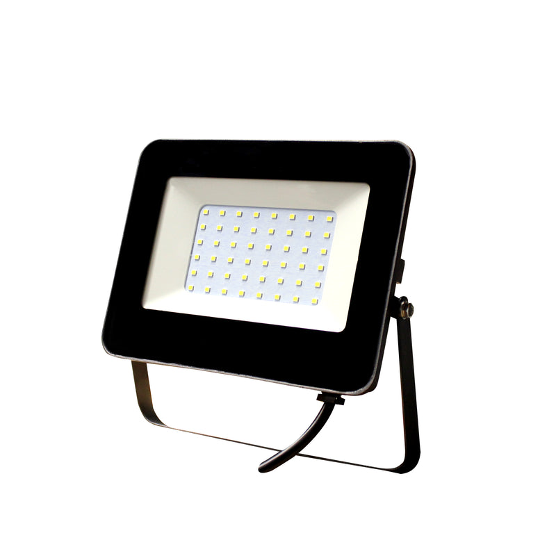 REFLECTOR LED FLOOD DE 50W  PARA EXTERIORES  5000LM 3000K 110-240V