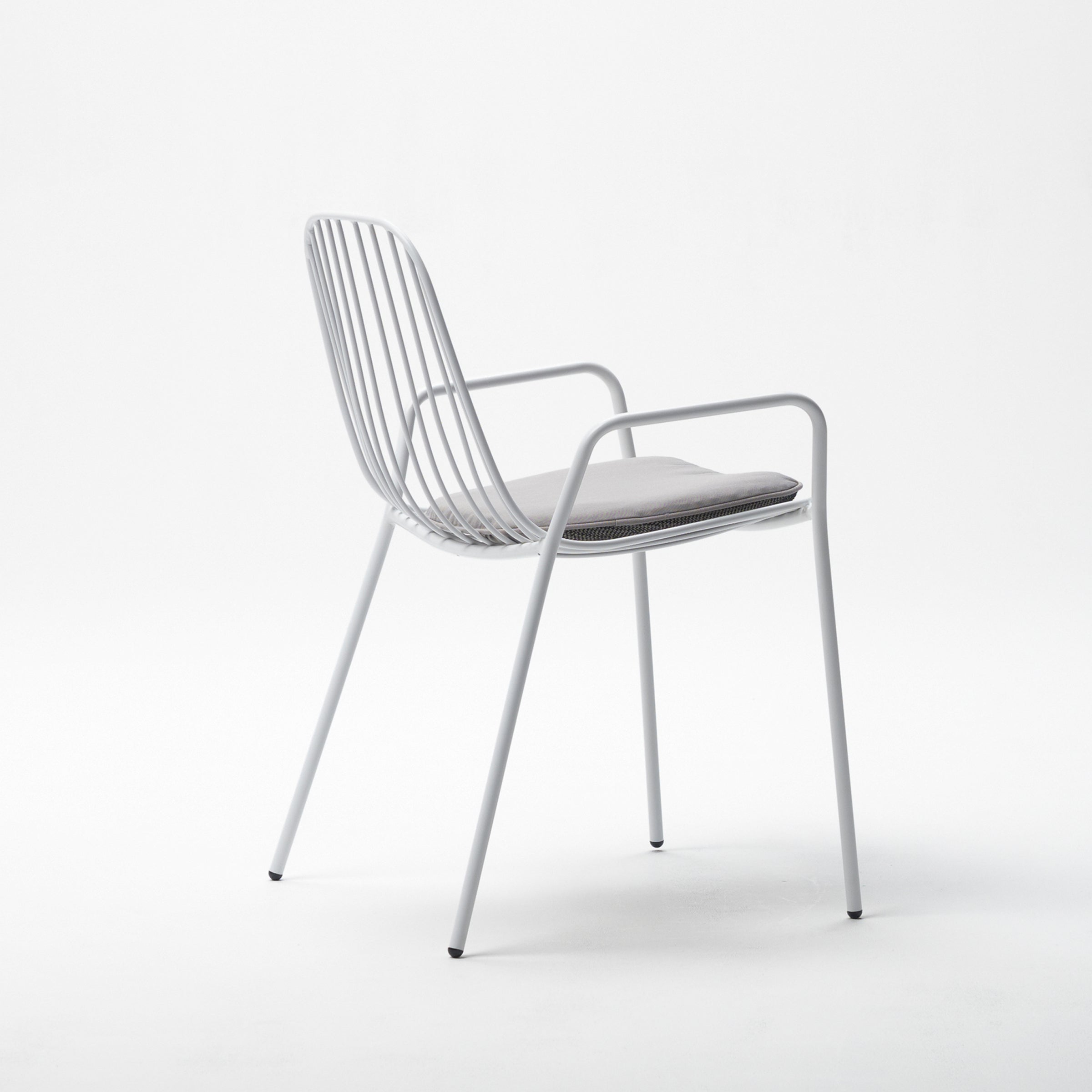 Resonate Chair / White