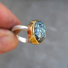 Load image into Gallery viewer, Variscite 18K and sterling silver ring. Size 7
