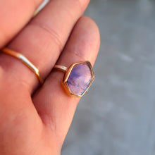 Load image into Gallery viewer, Quartz with Amethyst Hematite inclusions mixed metal 14K yellow gold sterling silver ring. Size 6.75