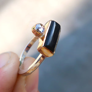 Black onyx and white rosecut diamond mixed metal 14K yellow gold sterling silver ring. Size 6.5
