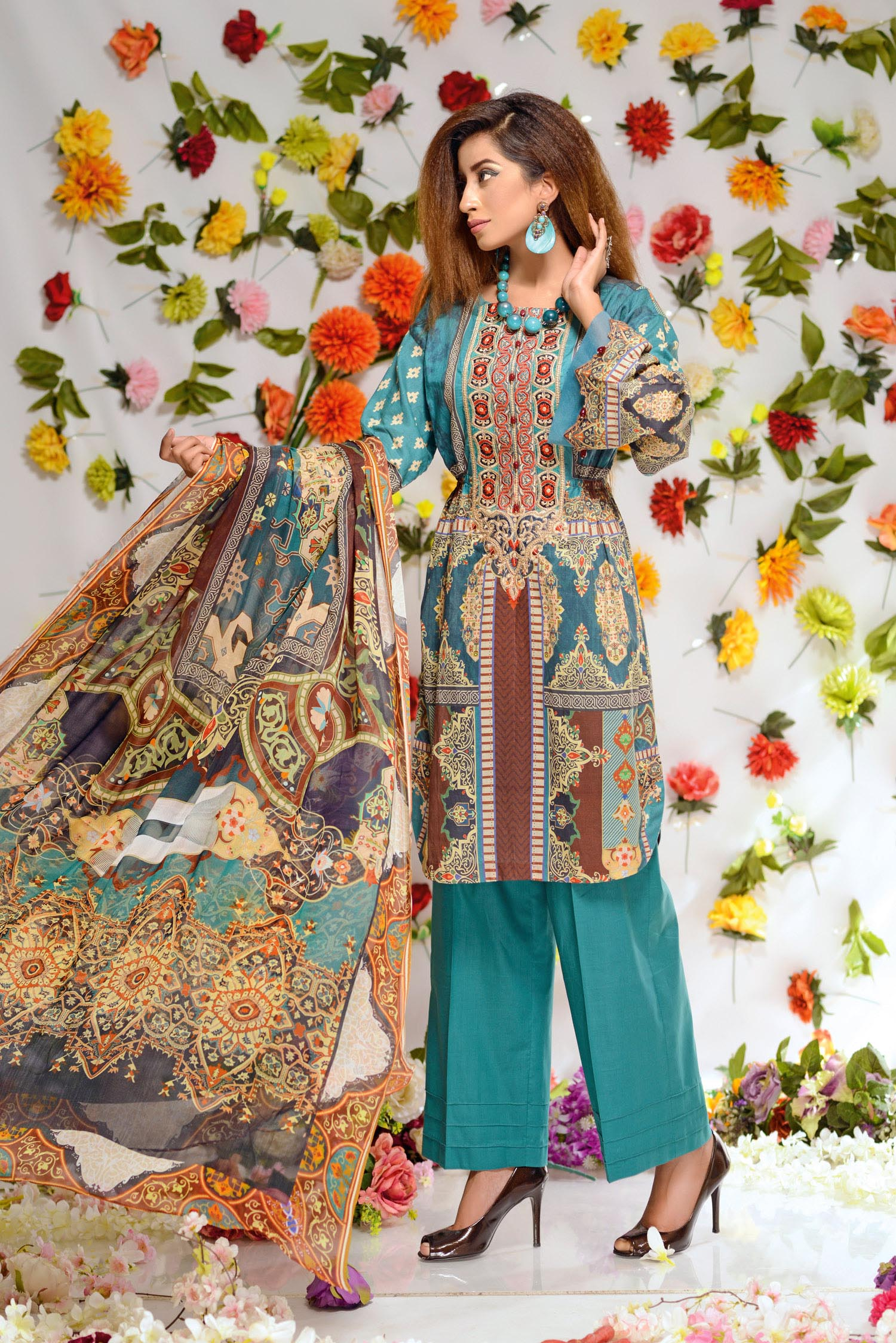 Aurnia - Digital Printed and Embroidered Lawn 3PC