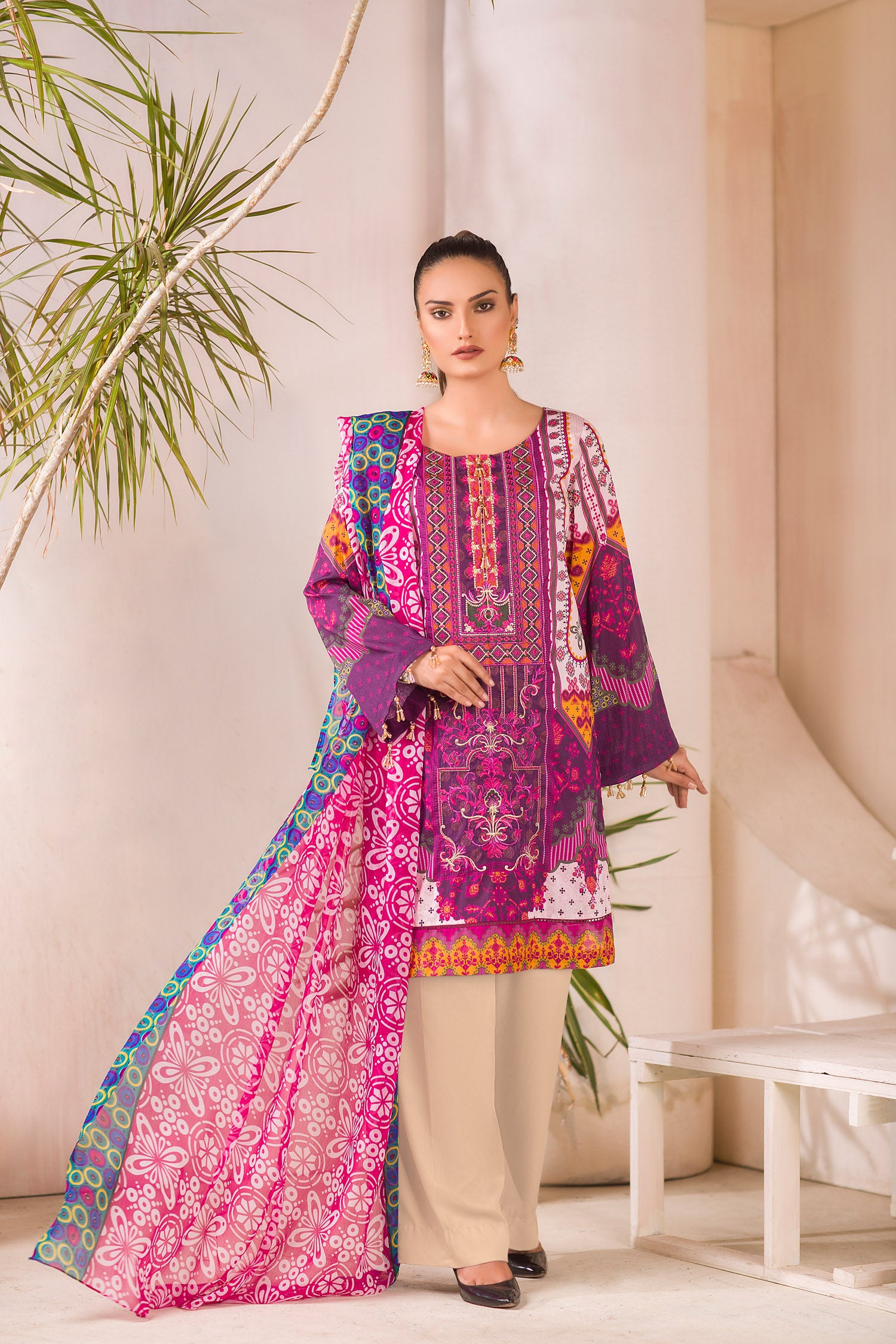 Hirst - DIGITAL PRINTED & EMBROIDERED LAWN 3PC