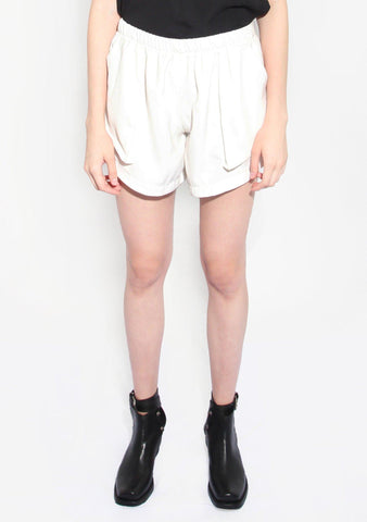 Vieira Shorts in White Crepe