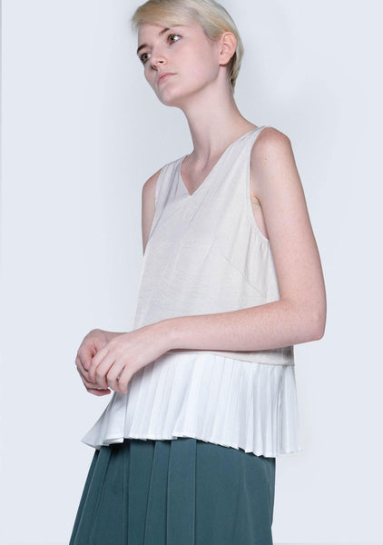 AXEL DUAL COLOUR PLEATED TOP - HAZELNUT - SALIENT LABEL