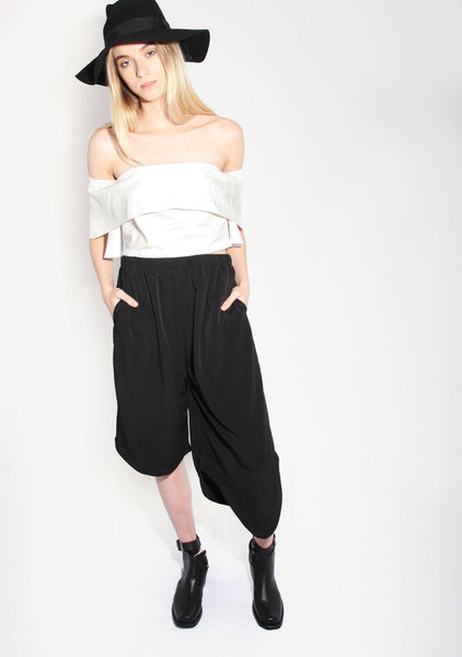 Williem Pants in Black - SALIENT LABEL