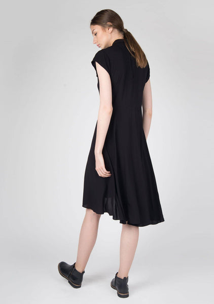 Chlea Inverted V-cut Collar Dress in Black - SALIENT LABEL