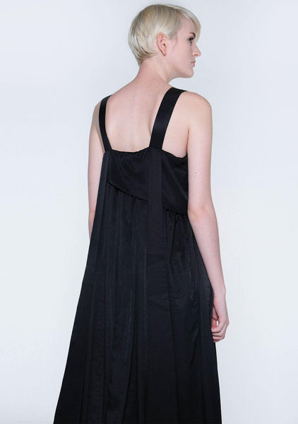 MIZUKI PLEATED LONG STRAPS MIDI DRESS - OBSIDIAN